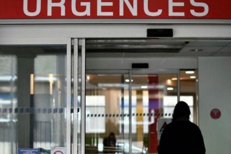 L entree des urgences d un hopital parisien